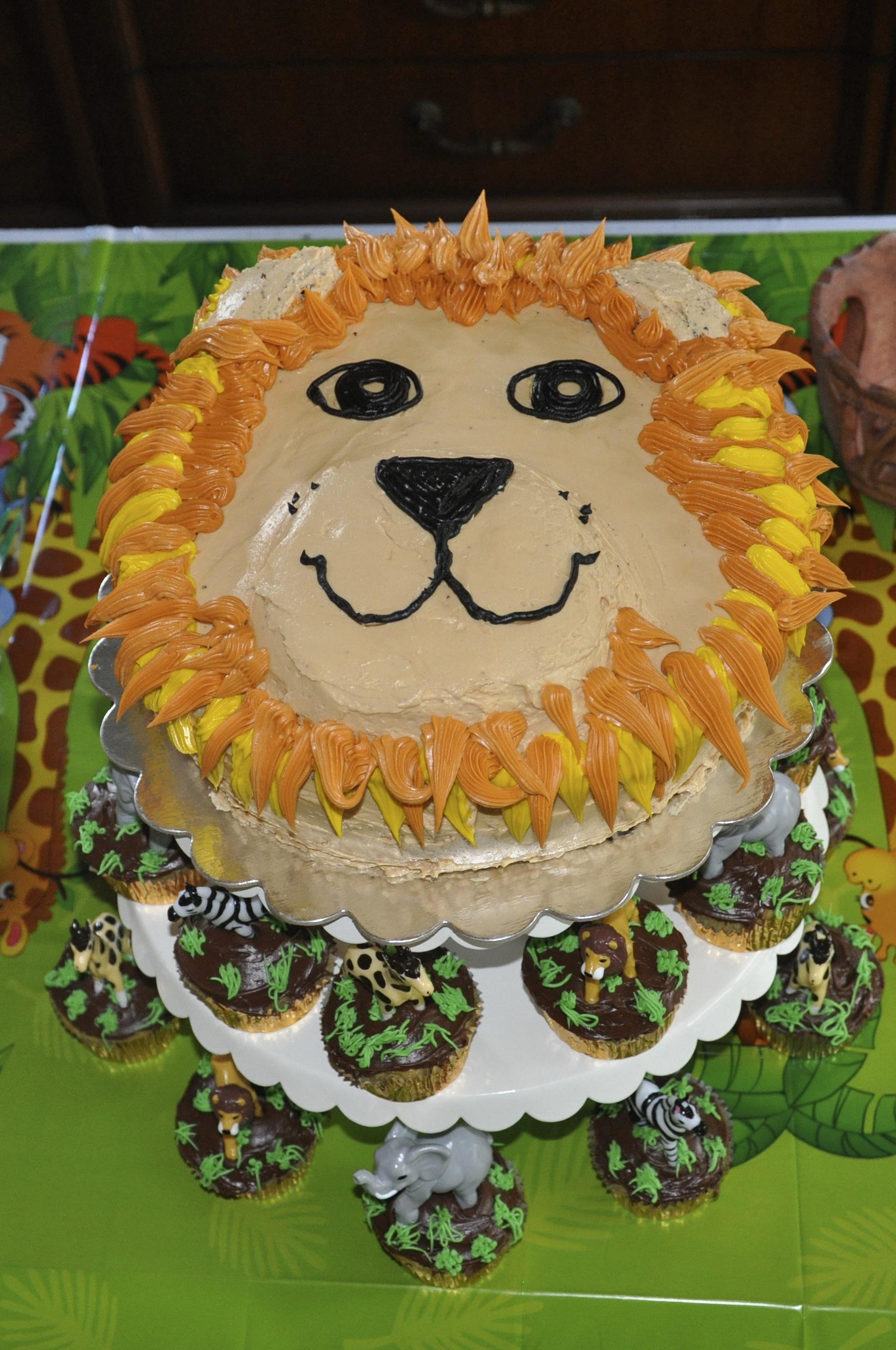 safari_Homemade Lion Cake